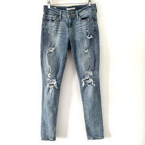 Levi's Distressed Light Wash 711 Skinny Jeans 27